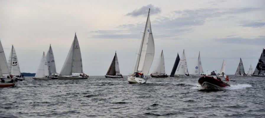 Regaty żeglarskie w klasie Omega